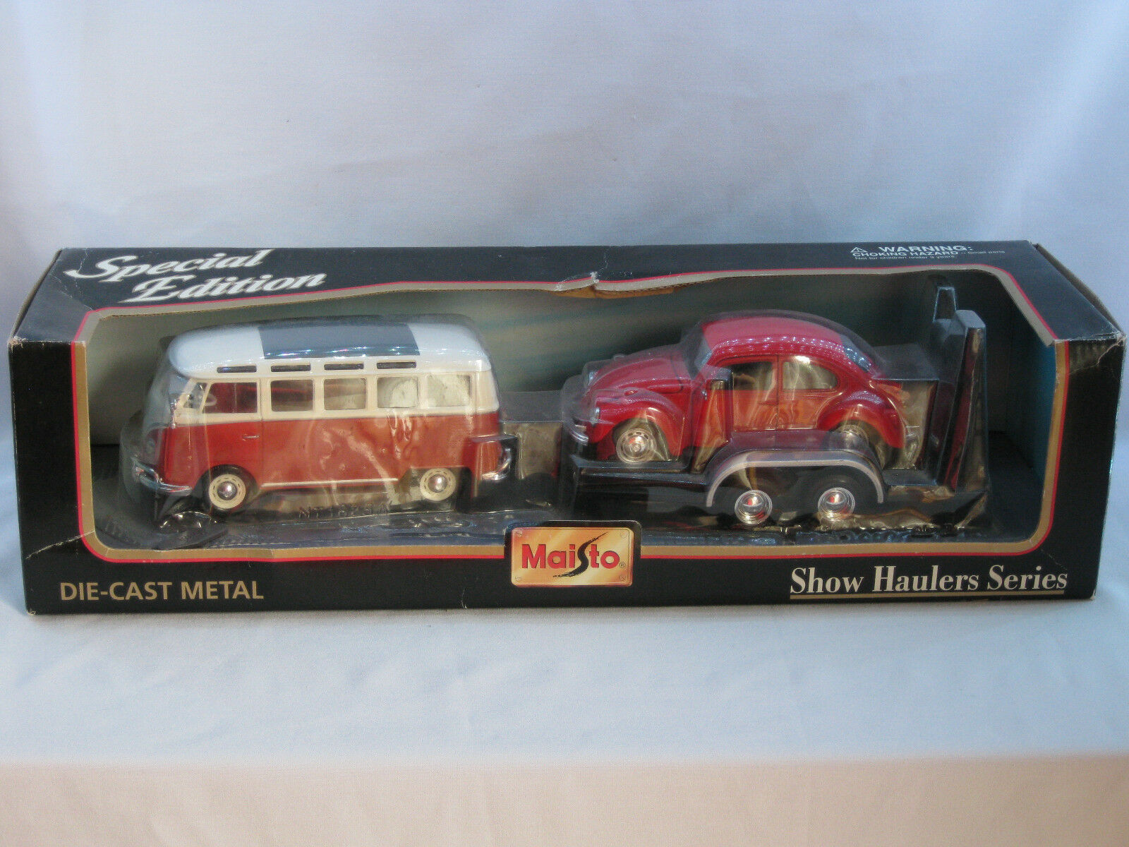 VERY RARE MAISTO 1 25 & 1 24 TWIN VW SET WITH TRAILER- EXCELLENT BOXED CONDITION