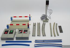 Lego-Trains-12-V-Rails-Doux-Courbe-Droit-Stromleiter-Jupes-1980