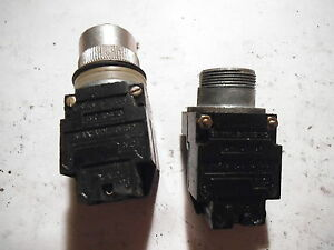 LOT OF (2) PUSHBUTTONS WITH GE CR104G CONTACT BLOCK (1 PUSHBUTTON MISSING )