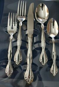 Glossy Place Spoon USA Oneida Stainless Flatware CANTATA Oval Soup