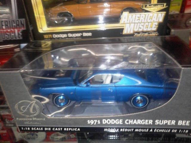 1 18 ERTL AUTHENTICS 1971 CHARGER SUPERBEE 440  MAGNUM bleu WITH HIDEAWAY lumièreS  prix équitables