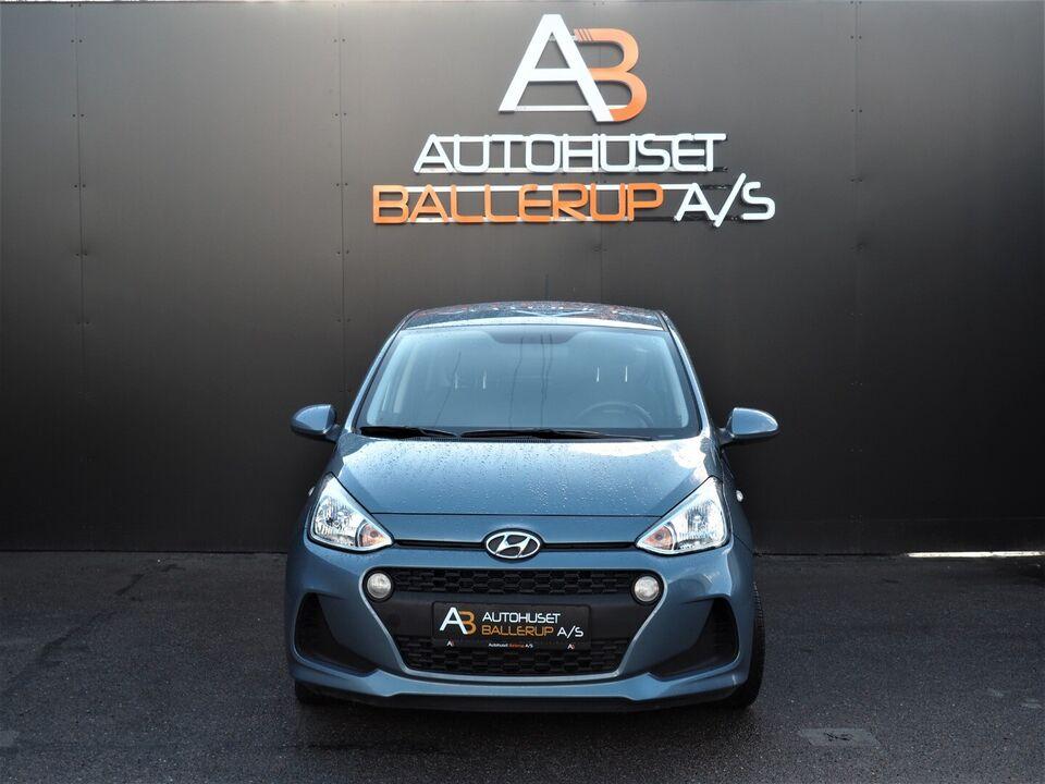 Hyundai i10 1,0 Touch Benzin modelår 2017 km 59000 Lysblå