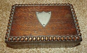 Antique-Solid-Oak-Trinket-with-Wooden-Beading-amp-Metal-Plaque-Hinged-Lid-Leather