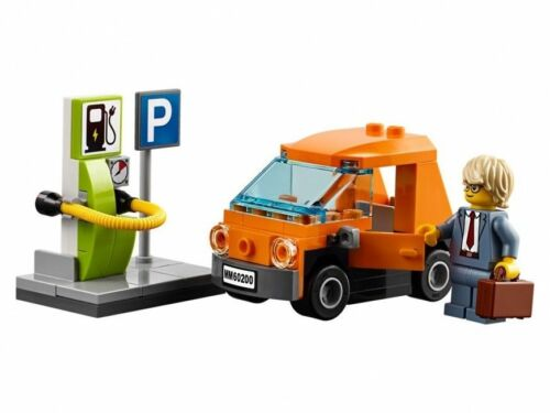 LEGO City Electric Car /& Charging Station /& Minifigure Train Town Scenery 60197