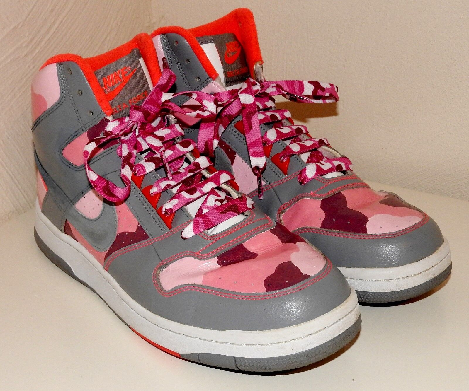 Pink Camo Nike Delta Force unique hand-painted Trainers sneakers camouflage