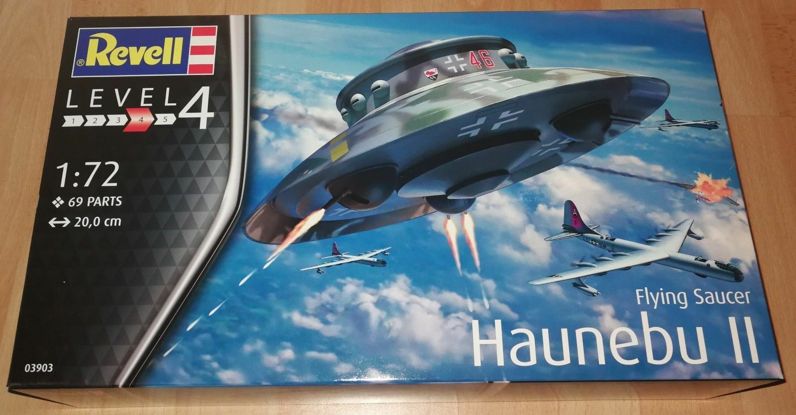 REVELL 1 72 Haunebu II Flying Saucer - PROTOTYPE FLYING DISC - MODEL Limited ed.
