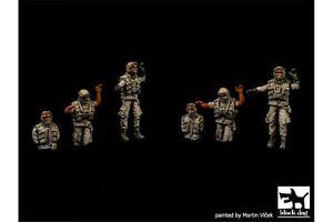 Black-Dog-T72051-1-72-US-modern-tank-crew