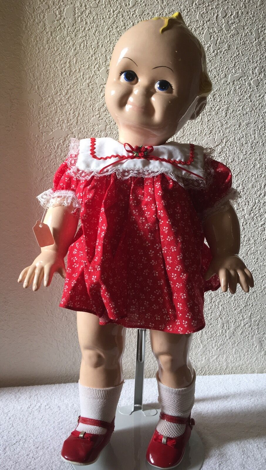 Porcelain 21   Large Baby Doll W  Stand New