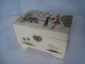 Vintage-1950s-60s-Musical-Jewellery-Box-French-Lovers-amp-Flower-Seller-Scene