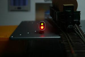 1-Signal-de-voie-2-Feux-Ras-de-Sol-HO-Vert-ou-Rouge