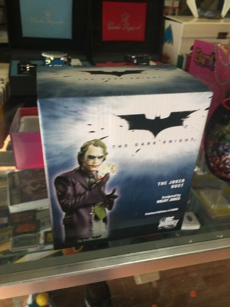 El Caballero Oscuro Guasón Heath Ledger    4.75     nuevo busto DC DIRECT