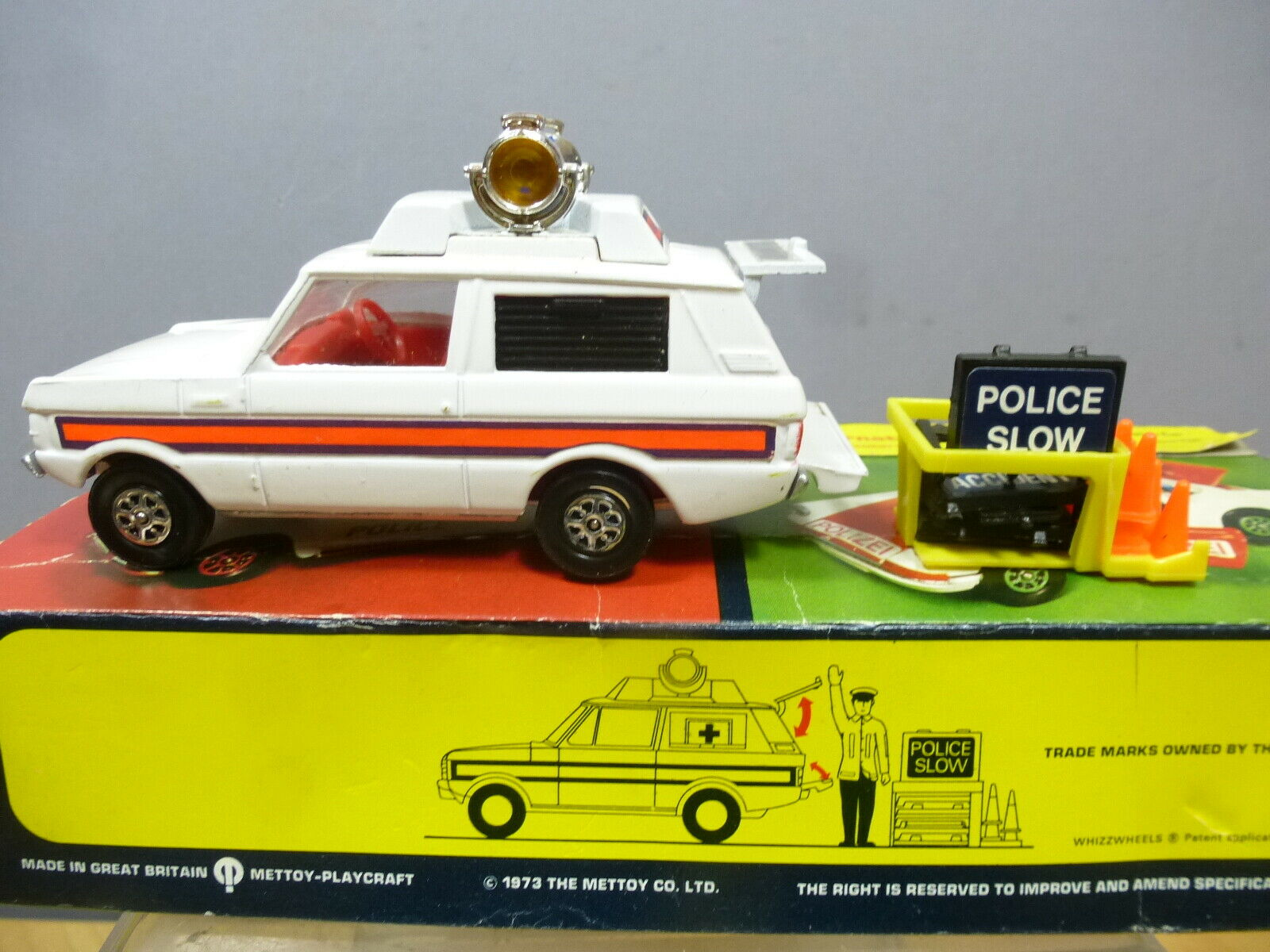 CORGI TOYS MODEL No.461 POLICE VIGIpurpleNT  RANGE ROVER  VN MIB