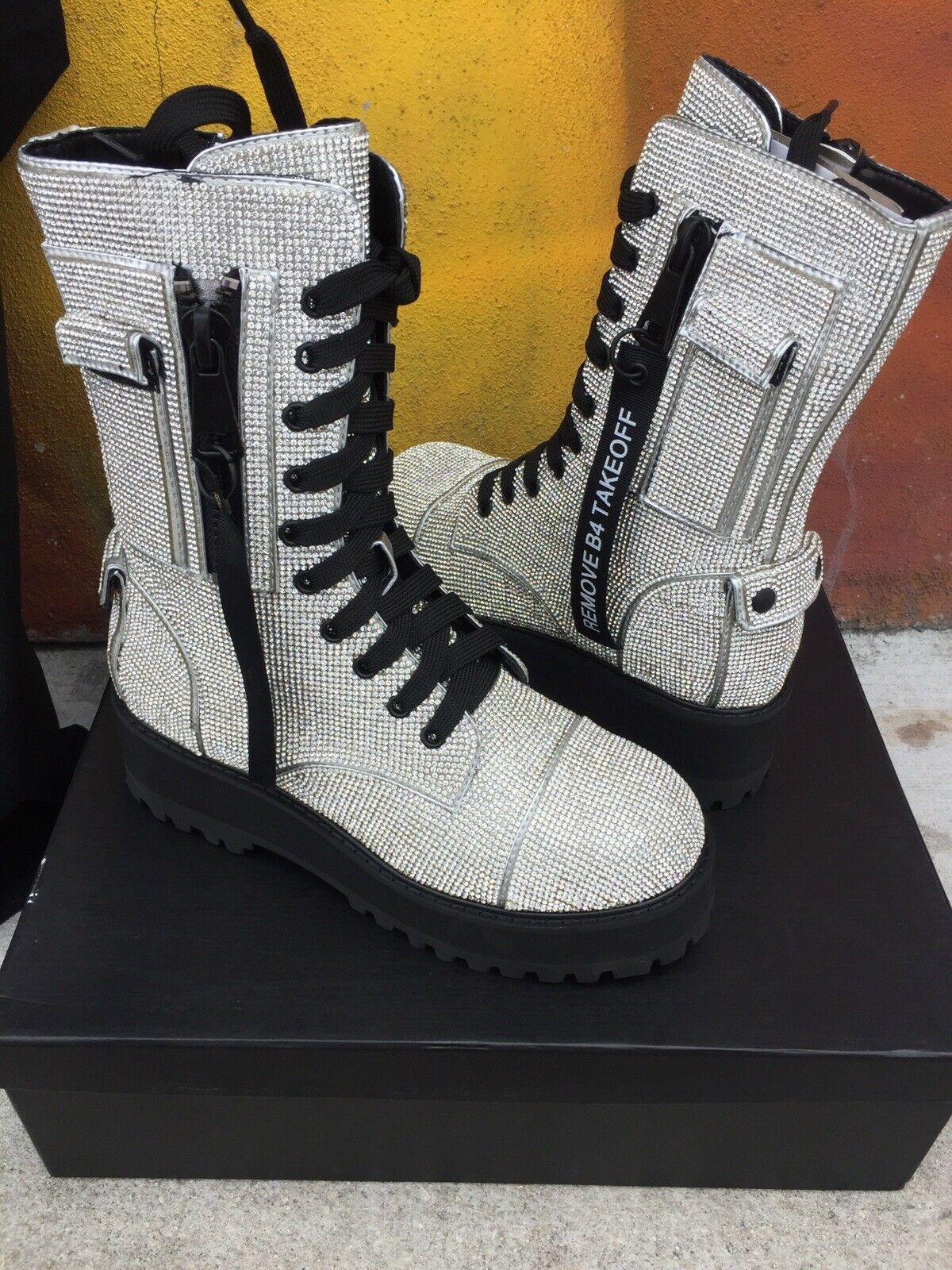 Postergirl Billionaire Bling Boots Dolls Kill Limited Edition Edition Edition Size 8 NIB + Bag 230ee4