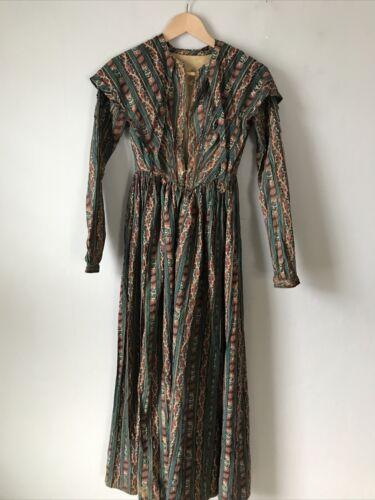 Antique 1830s 1940s Hand Sewn Women's Cotton Dress