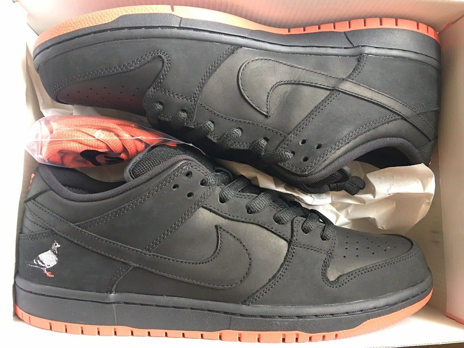 nike dunk sb low Size 12 Rare Pigeon Nyc Staple OG black
