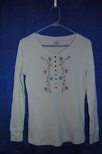 FALLS-CREEK-Light-Blue-Knit-Top-w-Floral-Embroidery-Design-Size-M