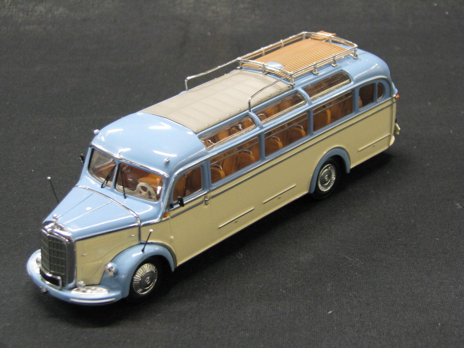 Minichamps Mercedes-Benz O 3500 1 43 bleu   Beige (JS)
