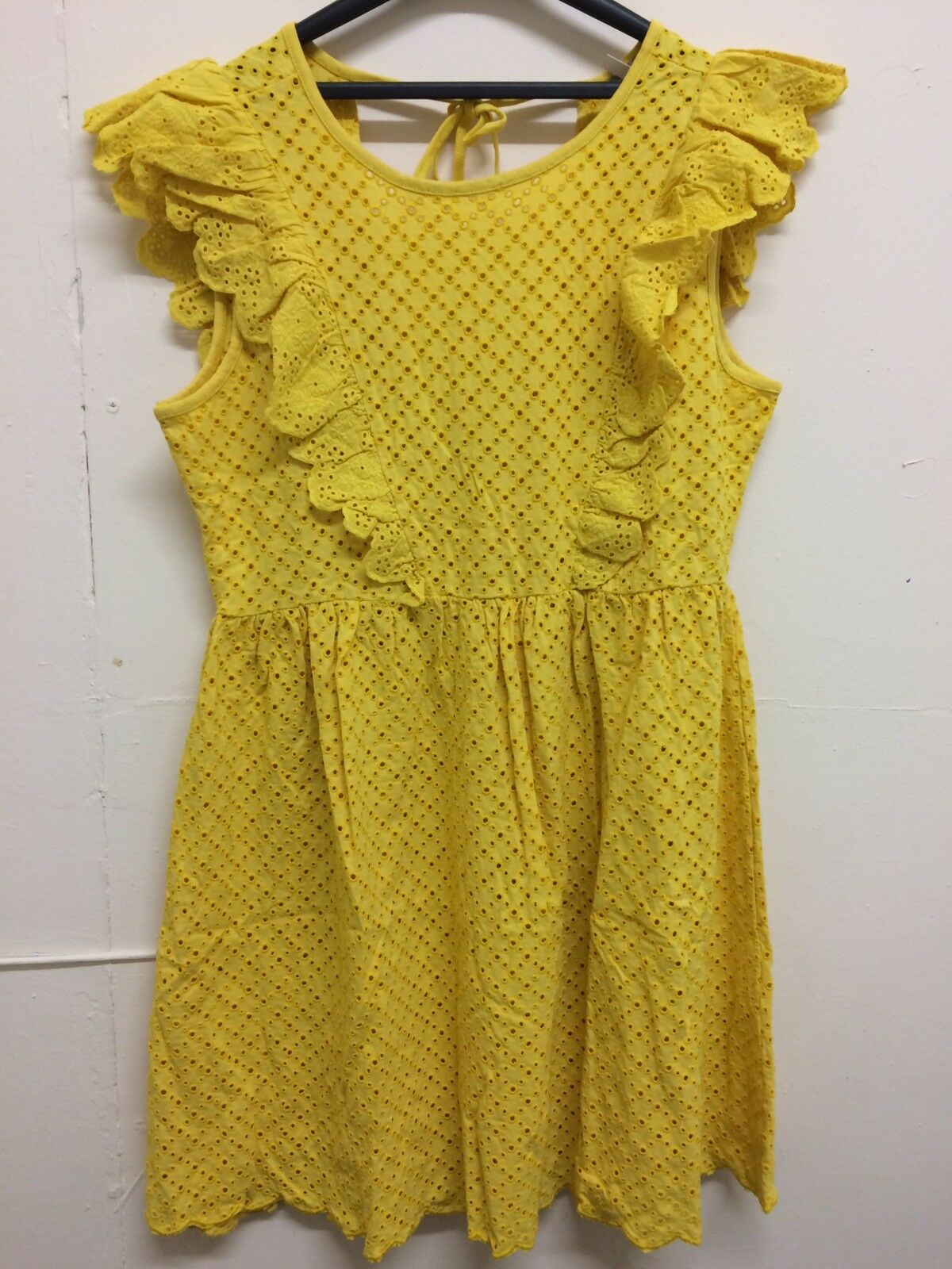 64dfa3c3da5 ASOS DESIGN broderie sundress with frill sleeves 16 .00 Box E86 Size RRP  nxxoaf19377-Dresses