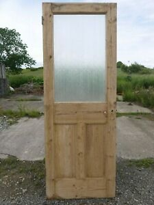 GL06e-27-3-4-x-75-3-4-Old-Victorian-Period-Glazed-Pine-Door-with-Texture-Glass