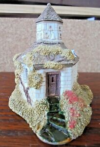 LILLIPUT-LANE-156-THE-DOVECOT-HUTTON-CUMBRIA-ENGLAND-A-F