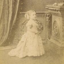 1870s TINY CIRCUS MIDGET GIRL CDV PHOTO CARTE DE VISITE FREAK PLYMOUTH DWARF