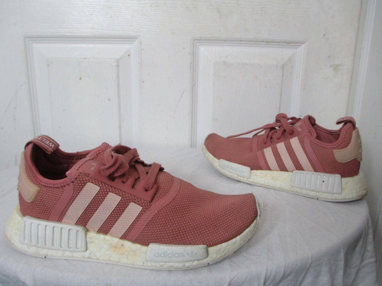 b025a6a6e97ab ADIDAS NMD R1 RUNNER W W W NOMAD WMNS PEACH PINK SALMON BOOST S76006 US 7 ½  USED
