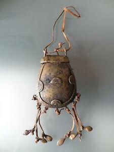 ancienne-gourde-en-bronze-cire-perdue-afrique-sac-chaman-art-africain-ethnique