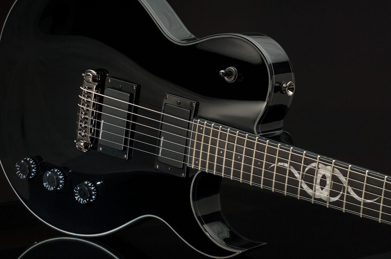 schwarz Single Cutaway Ethan Hart Gitarre von Greg Bennett