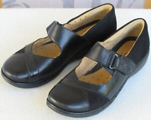 9-5-Wide-Clarks-Unstructured-Un-Swan-Women-Black-Leather-Mary-Jane-Flat