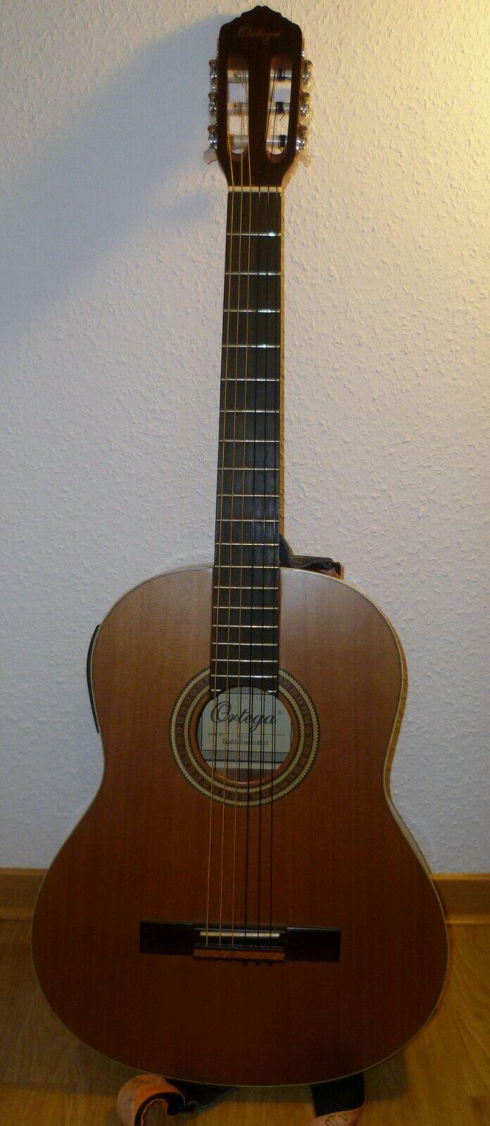 Ortega Konzertgitarre RE135SN inkl. Tasche + Gurt