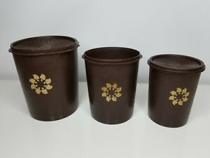 Tupperware Canisters w/ Lids Nesting Set of 3 Containers 809-6, 811-13 & 807-2