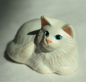 Vtg Dollhouse Miniature Realistic White Persian Cat Artisan Jenny Shaw Uk 1:12