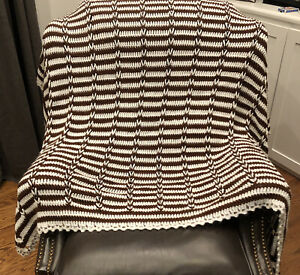 Handmade-Crochet-Afghan-Blanket-Throw-Brown-amp-White-Scalloped-Edge