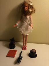 Sabrina the Teenage Witch doll  Salem the Cat 1997