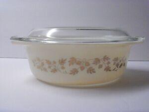 Vintage PYREX Oval GOLDEN ACORN Baking Casserole Dish 1 1/2 Quart with Lid