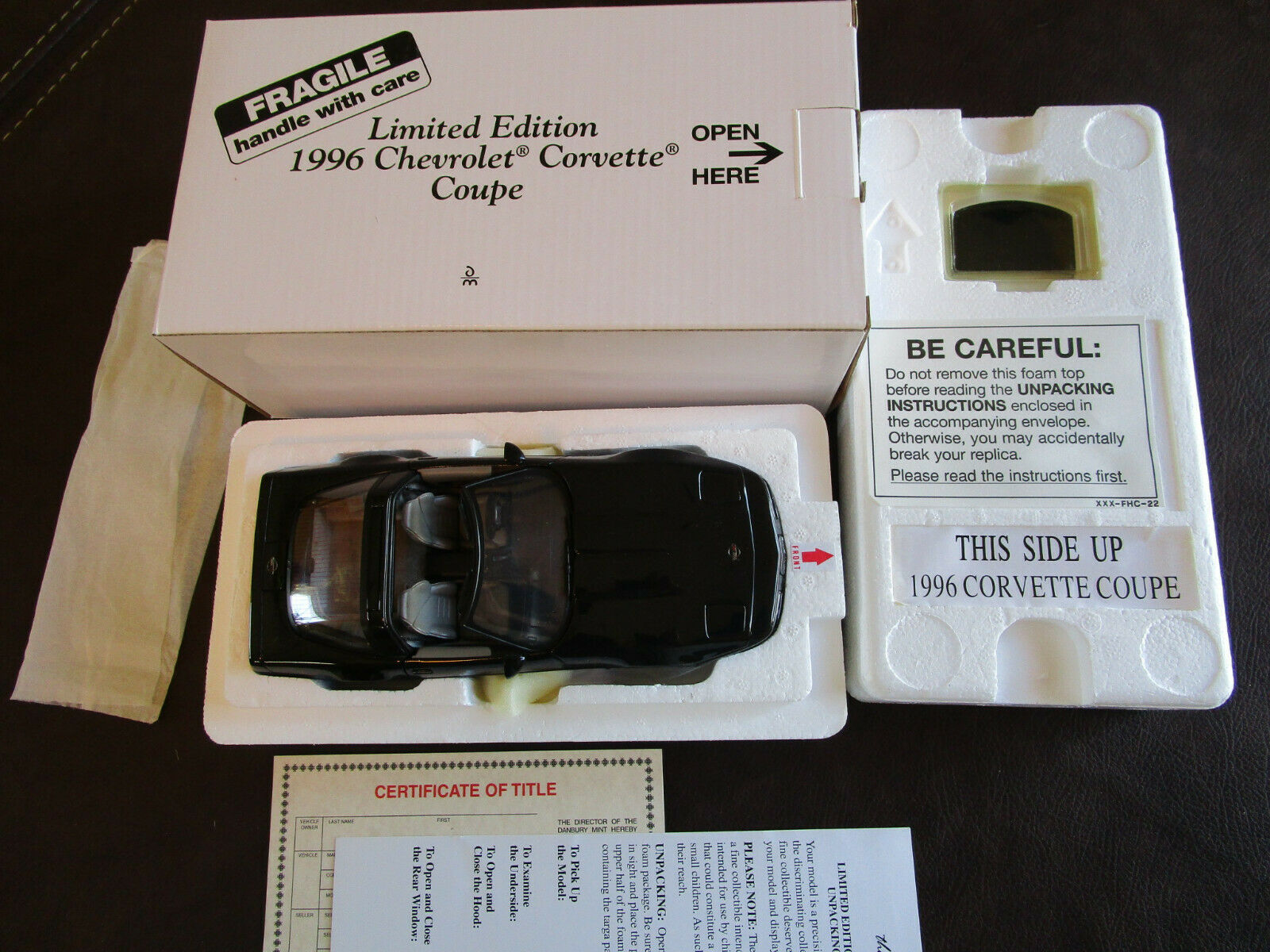 1 24 Danbury Mint 1996 Chevrolet Corvette Coupe Limited Edition w  Box, Papers