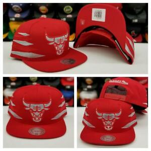 New Mitchell   Ness NBA Red Gold Stripe Chicago Bulls Adjustable ... 730d819bd74c