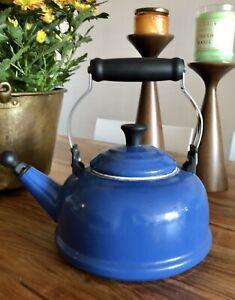 Le-Creuset-Enamel-1-7-Qt-Classic-Tea-Kettle-Teapot-Blue