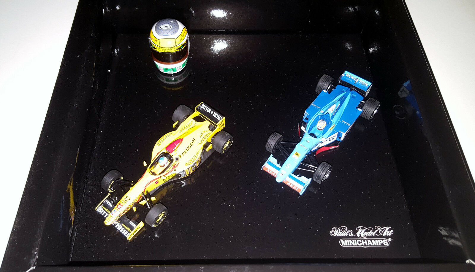 Minichamps 431000004 1  43 Gianbillo Fisichella Jordan 197 Benetton B198 Helmet