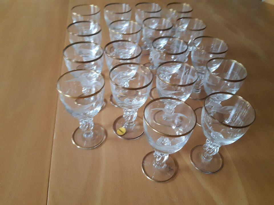Porcelæn, Glas tilhørende Mågestellet, Lyngby Glasværk