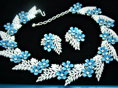 Rare 1958 CROWN TRIFARI Flowering Fern White and Blue  Flowers Bracelet