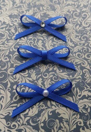 Arcos de la cinta de satén en azulón Perlas Pedrería Plain artesanías elaboración de tarjetas