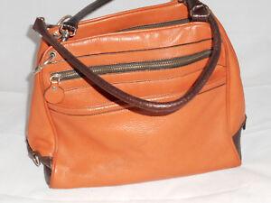 2f8b461c6e237 Das Bild wird geladen HOGAN-Tasche-Bowling-Schultertasche-Handtasche-Leder- viele-Faecher-