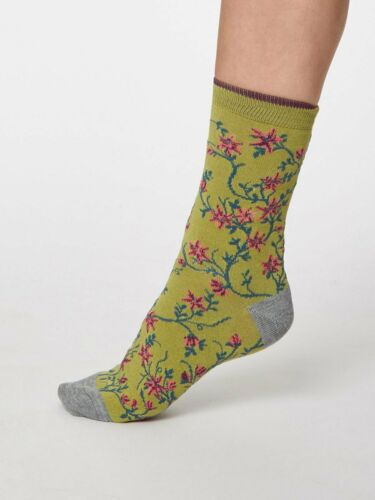 Size 4-7 Floreale Bamboo Floral Socks in Pea Green by Thought