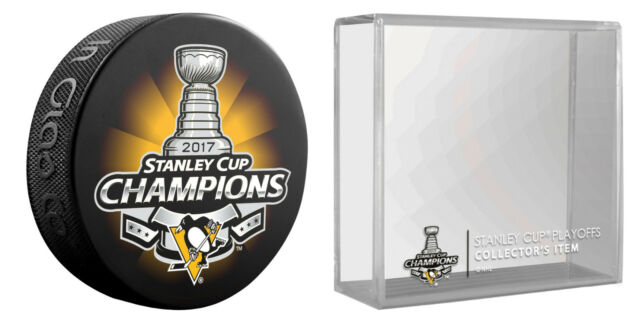 748d538267a PITTSBURGH PENGUINS 2017 NHL STANLEY CUP CHAMPIONS HOCKEY PUCK   PUCK HOLDER