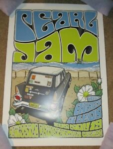 PEARL-JAM-concert-gig-poster-print-NEWCASTLE-11-19-06-2006-daymon-greulich