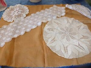 faits-main-napperons-crochets-coton-jete-de-table-3pieces-une-en-plus