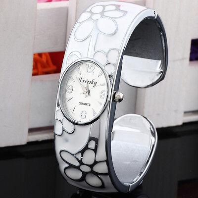 New fashion Flower Numeral Show Quartz Stainless Steel Band Bracelet Wrist Watch