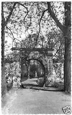 AK, Husum, Eingang zum Schloßpark mit Storm-Denkmal, um 1958