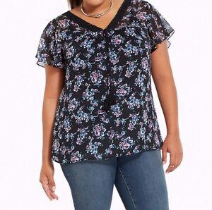 b35d9cc66a6 Image is loading Torrid-Floral-Print-Chiffon-Crochet-Inset-Top-Black-
